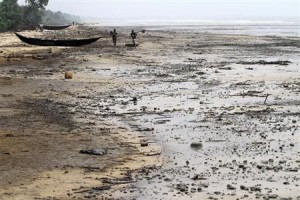 A view of the shore of the Atlantic ocean at Orobiri village,days after Royal Dutch Shell's Bonga off-shore oil spill, in Nigeria's Delta state December 31, 2011.
