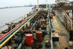 Oil Theft: Nigerian Army's Joint Military Task Force (JTF) hands over vessel and suspects to the EFCC for prosecution
