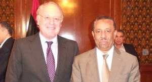 Eni CEO Paolo Scaroni (left) and new Libyan PM Abdullah al Thani met to discuss Eni's production in the country.